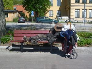 homeless-1527966_1280